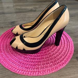 Audrey Brooke Two-Tone Tossups Platform Heels Sz 9